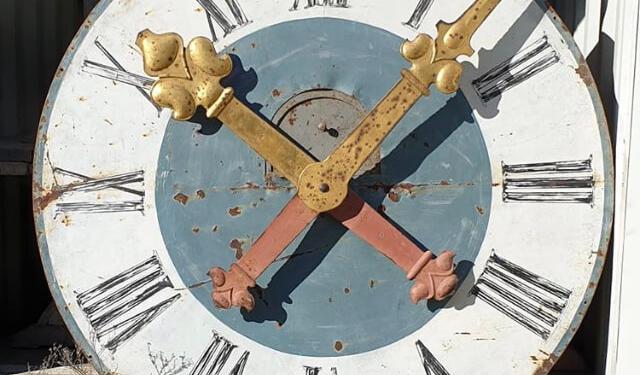 Abilis Export - Sourcing - Architectural Pieces - Clock